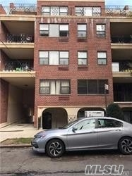 Photo of home for sale at 71-19 162 St, Fresh Meadows NY