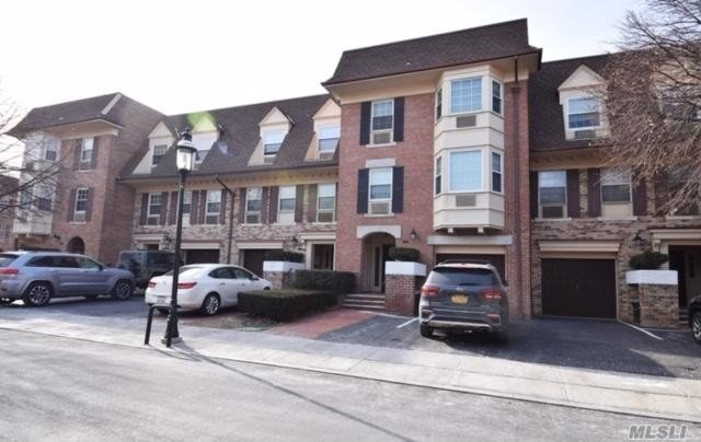 Photo of home for sale at 14-06 Michael Pl, Bayside NY