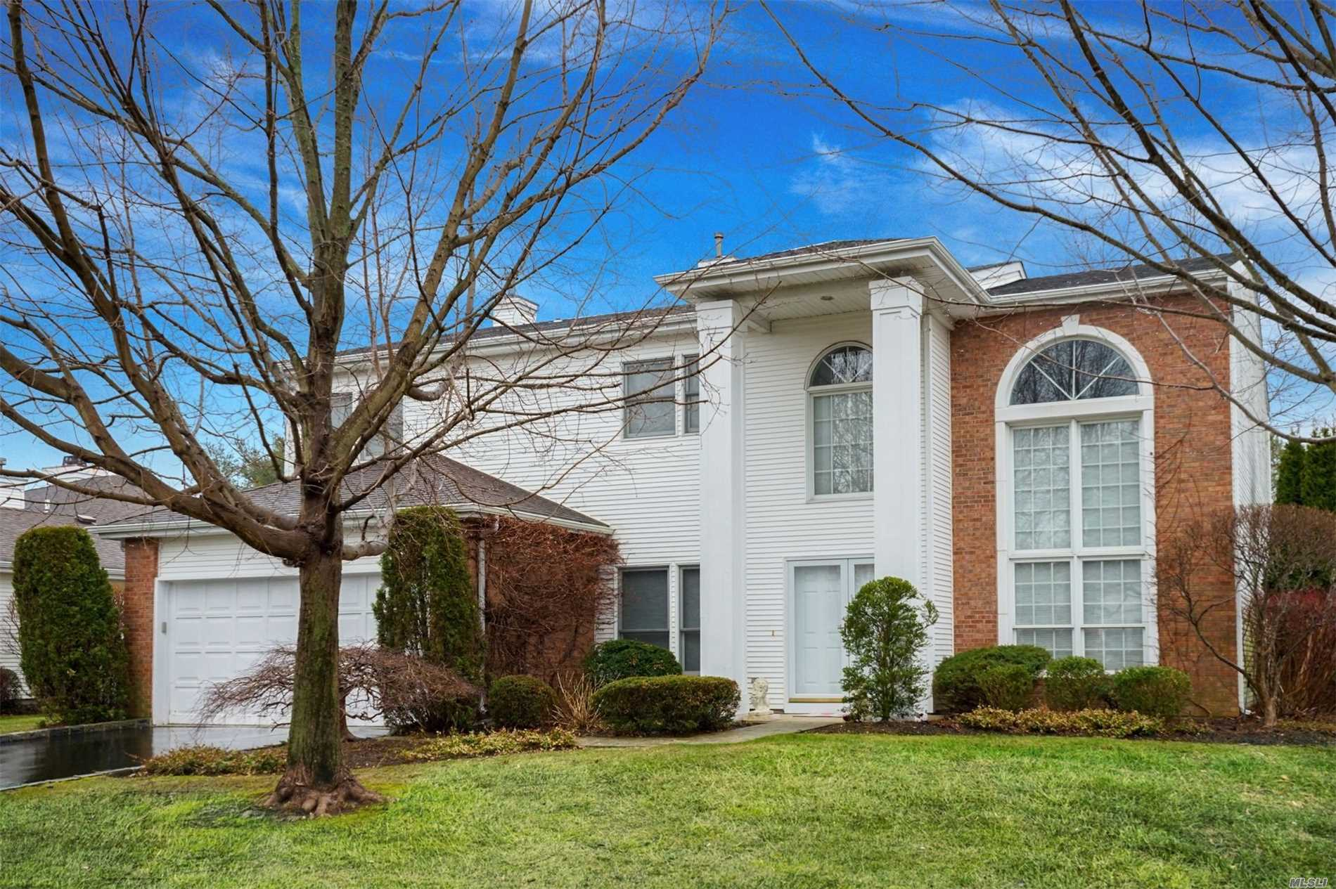 Property for sale at 159 Country Club Dr, Commack,  NY 11725