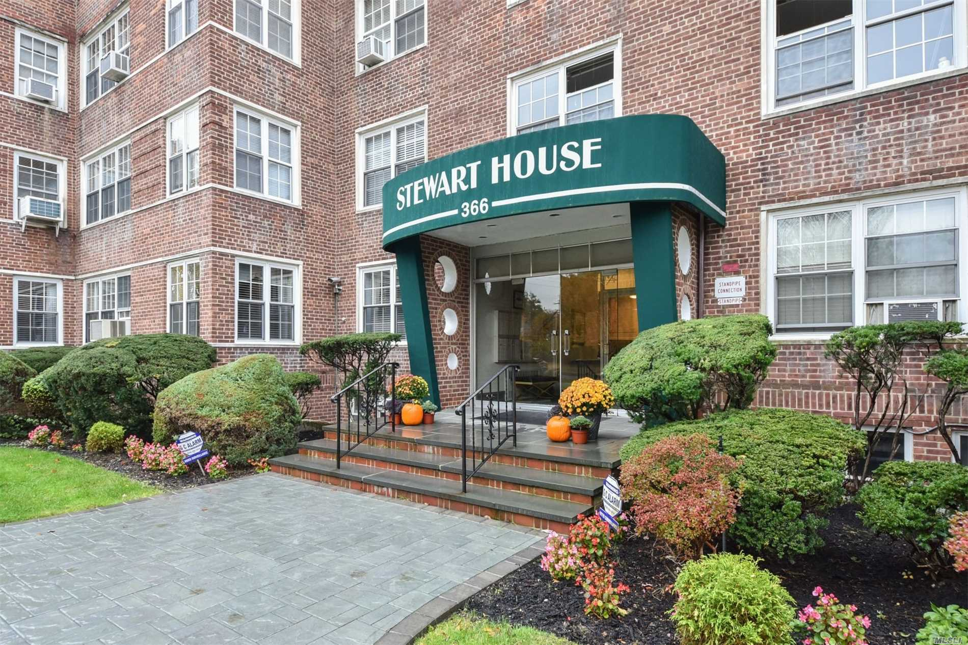Property for sale at 366 Stewart Ave, Garden City,  NY 11530