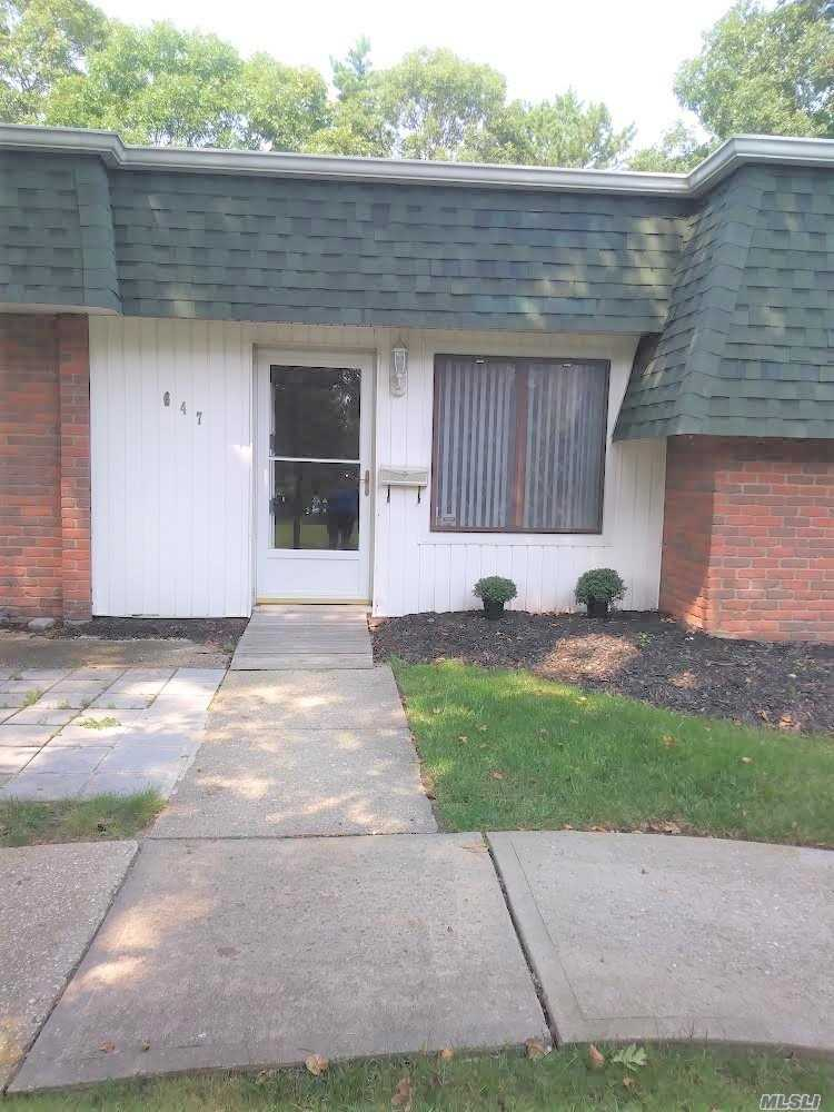 Property for sale at 647 W End Dr, Medford,  NY 11763