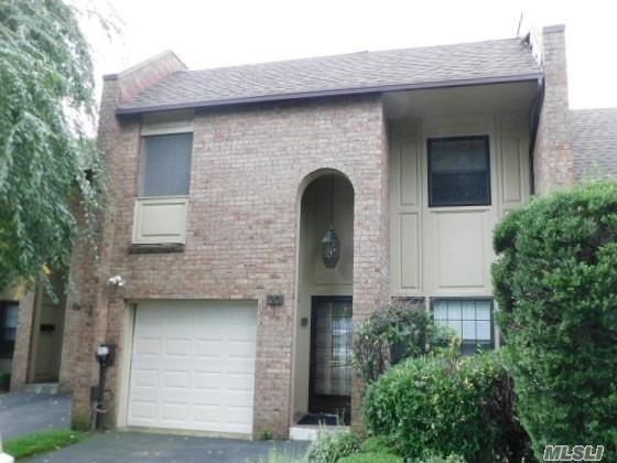 Property for sale at 20 Southgate Circle, Massapequa Park,  NY 11762