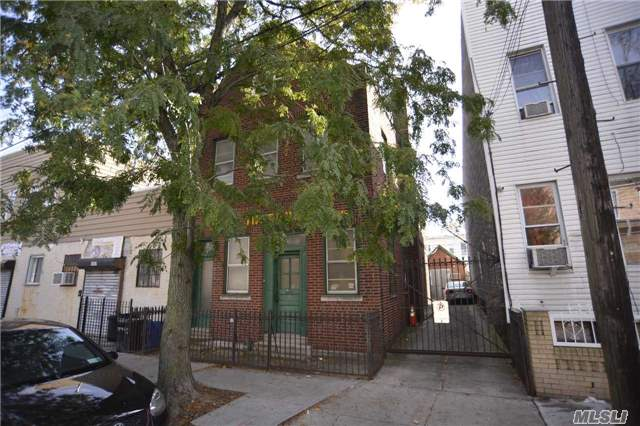 Photo of home for sale at 16-60 Stephen St, Ridgewood NY