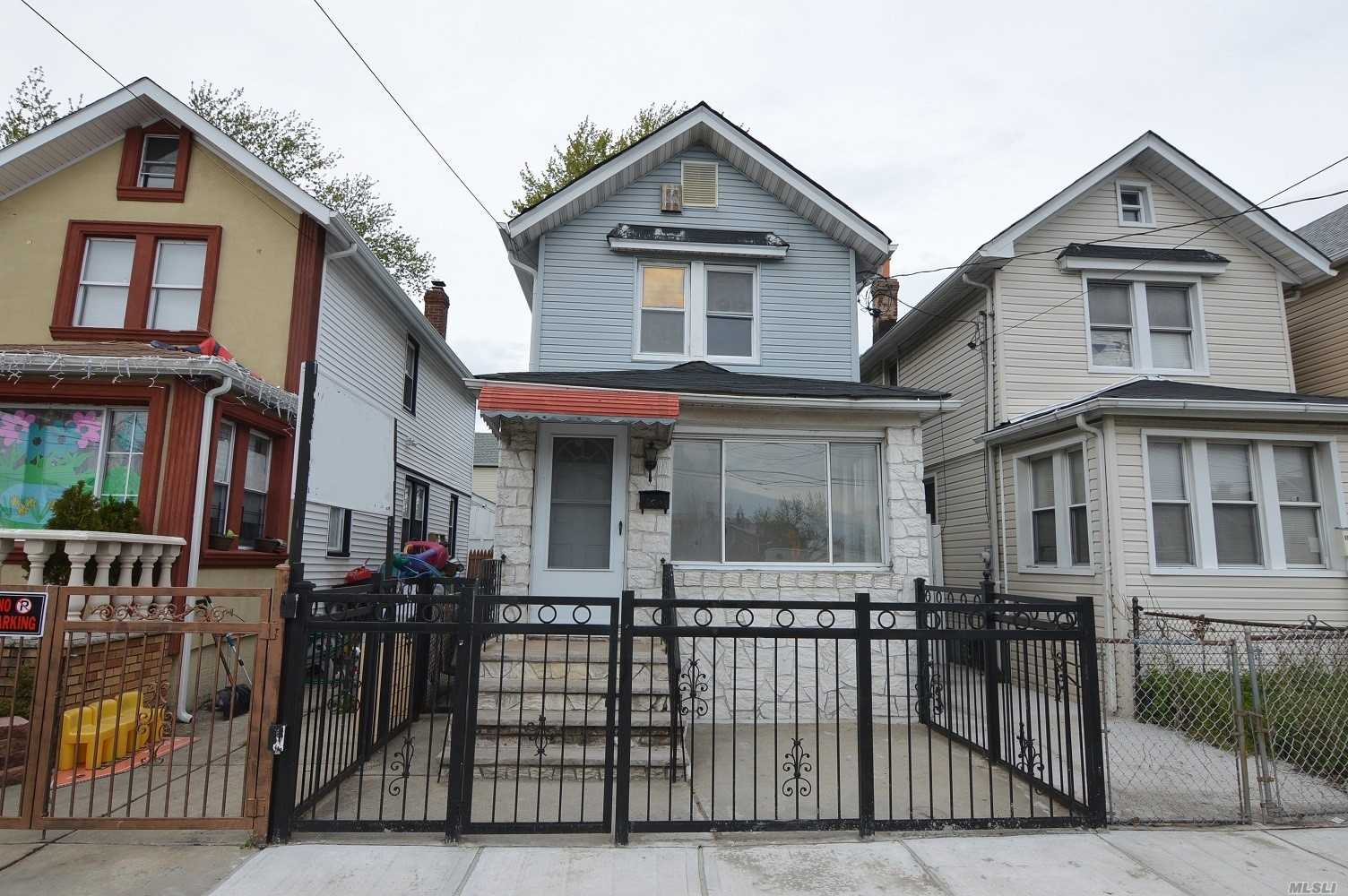 Photo of home for sale at 134-05 120th Ave, South Ozone Park NY