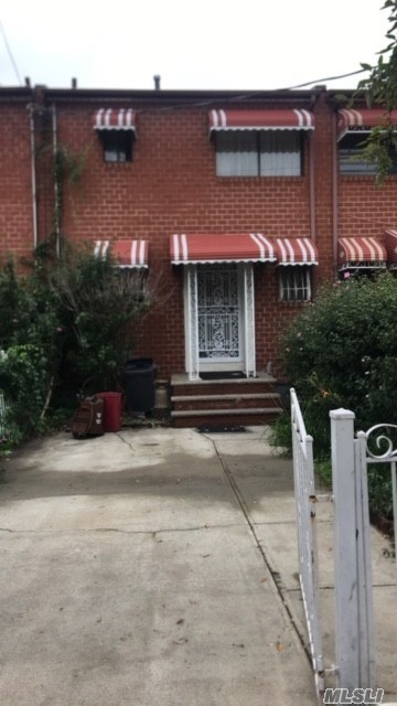 Photo of home for sale at 718 Saratoga Ave, Brooklyn NY