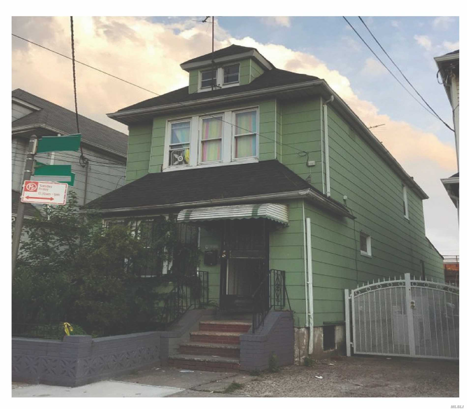 Photo of home for sale at 170-44 93 Ave, Jamaica NY
