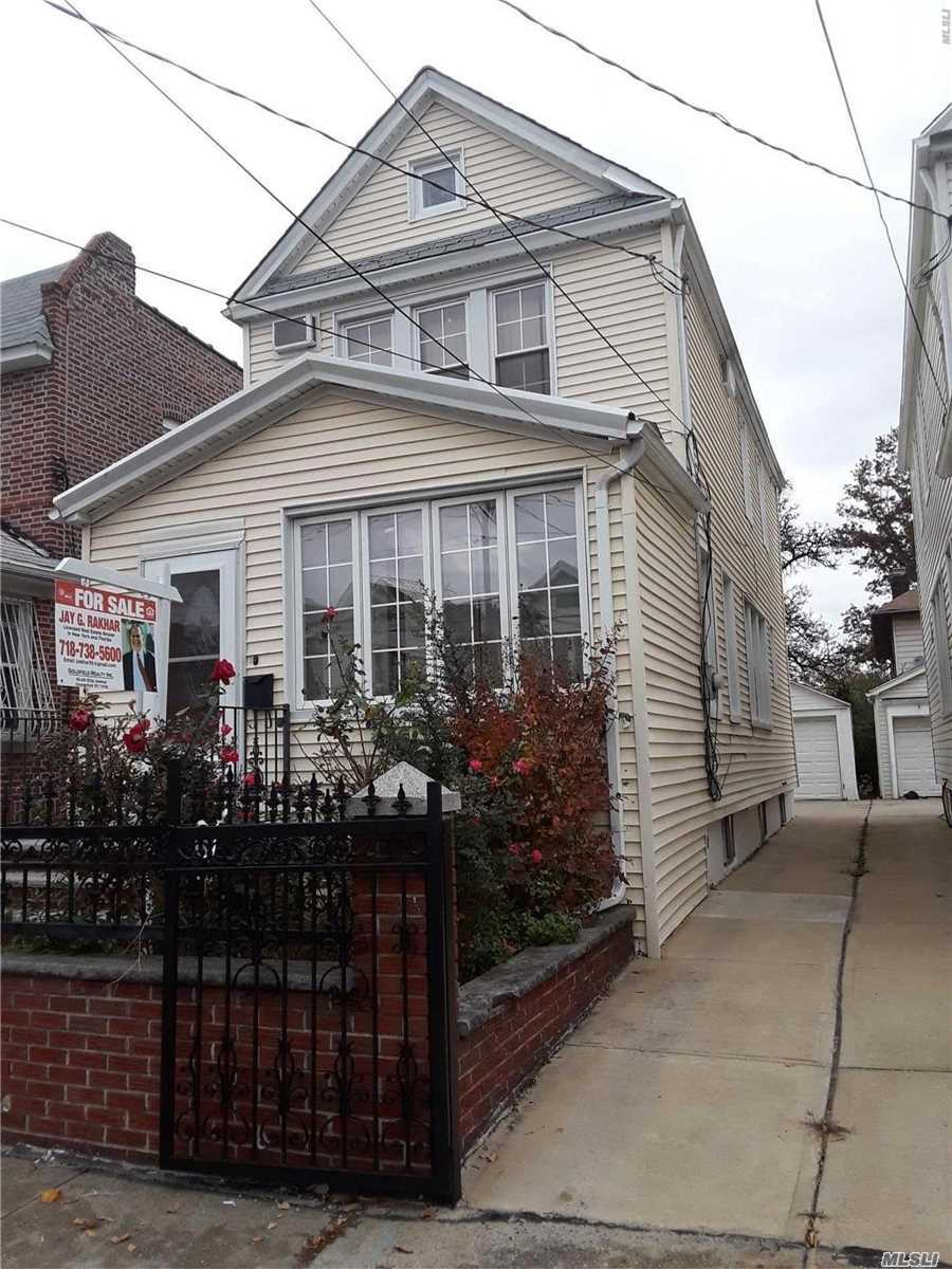 Photo of home for sale at 107-35 125 St, Richmond Hill NY