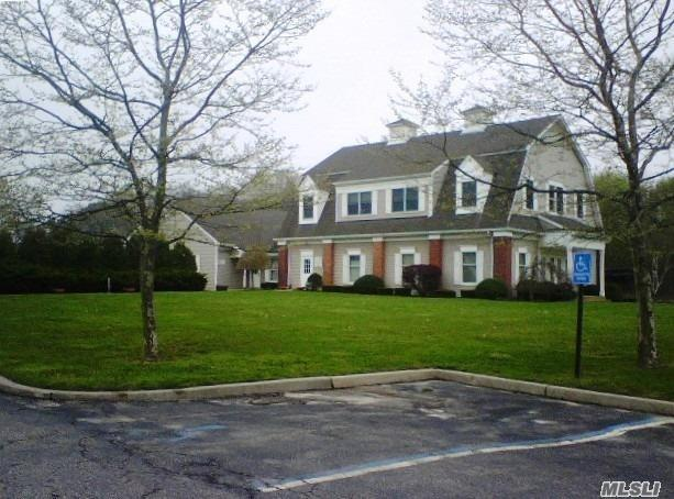 Photo of home for sale at 104 Edwards Ave, Calverton NY