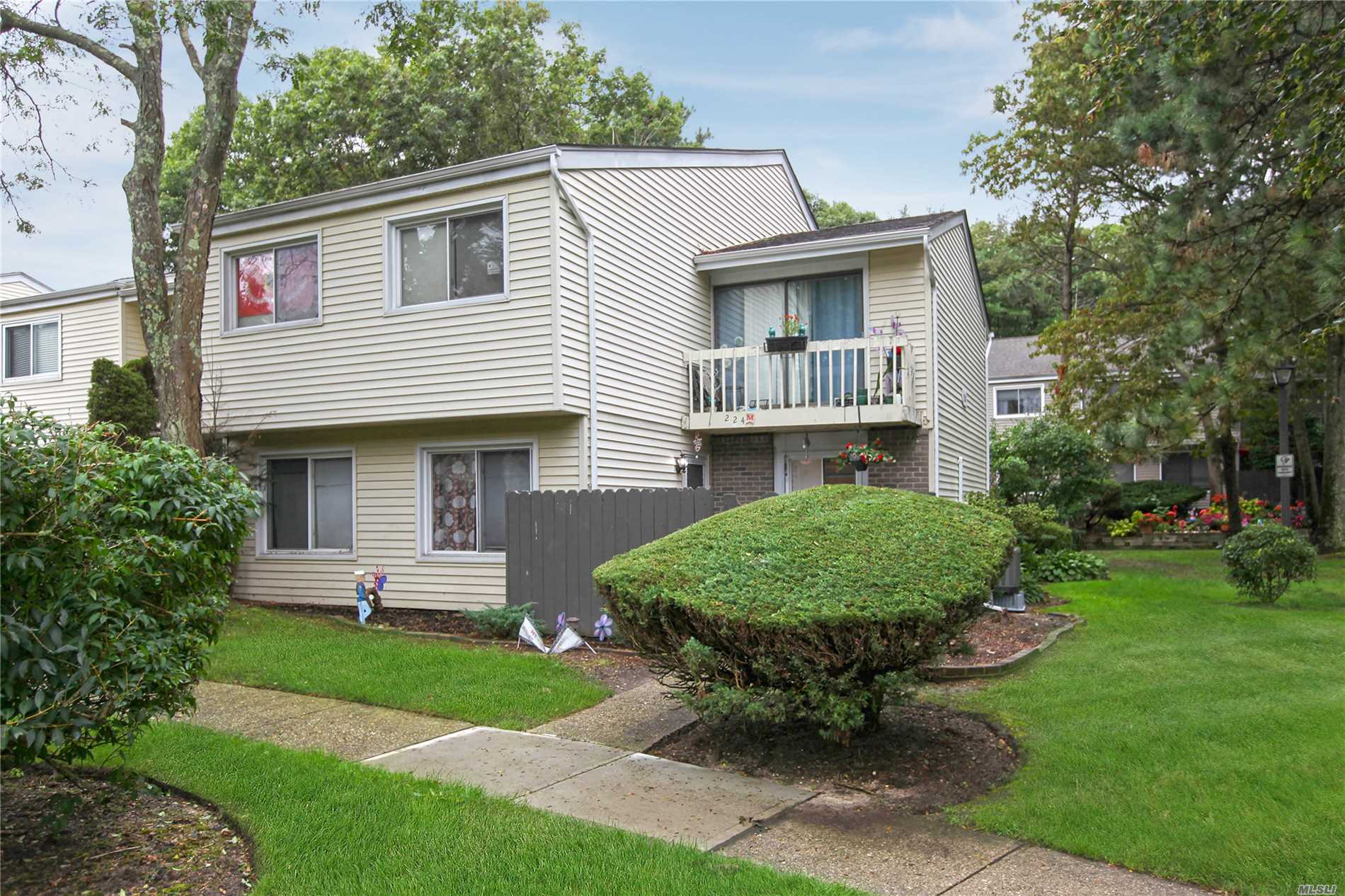 Property for sale at 224 M Springmeadow Dr, Holbrook,  NY 11741