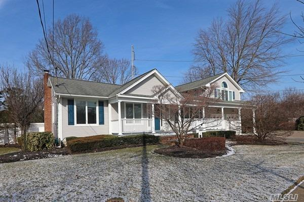Photo of home for sale at 5 Searington Dr, Syosset NY