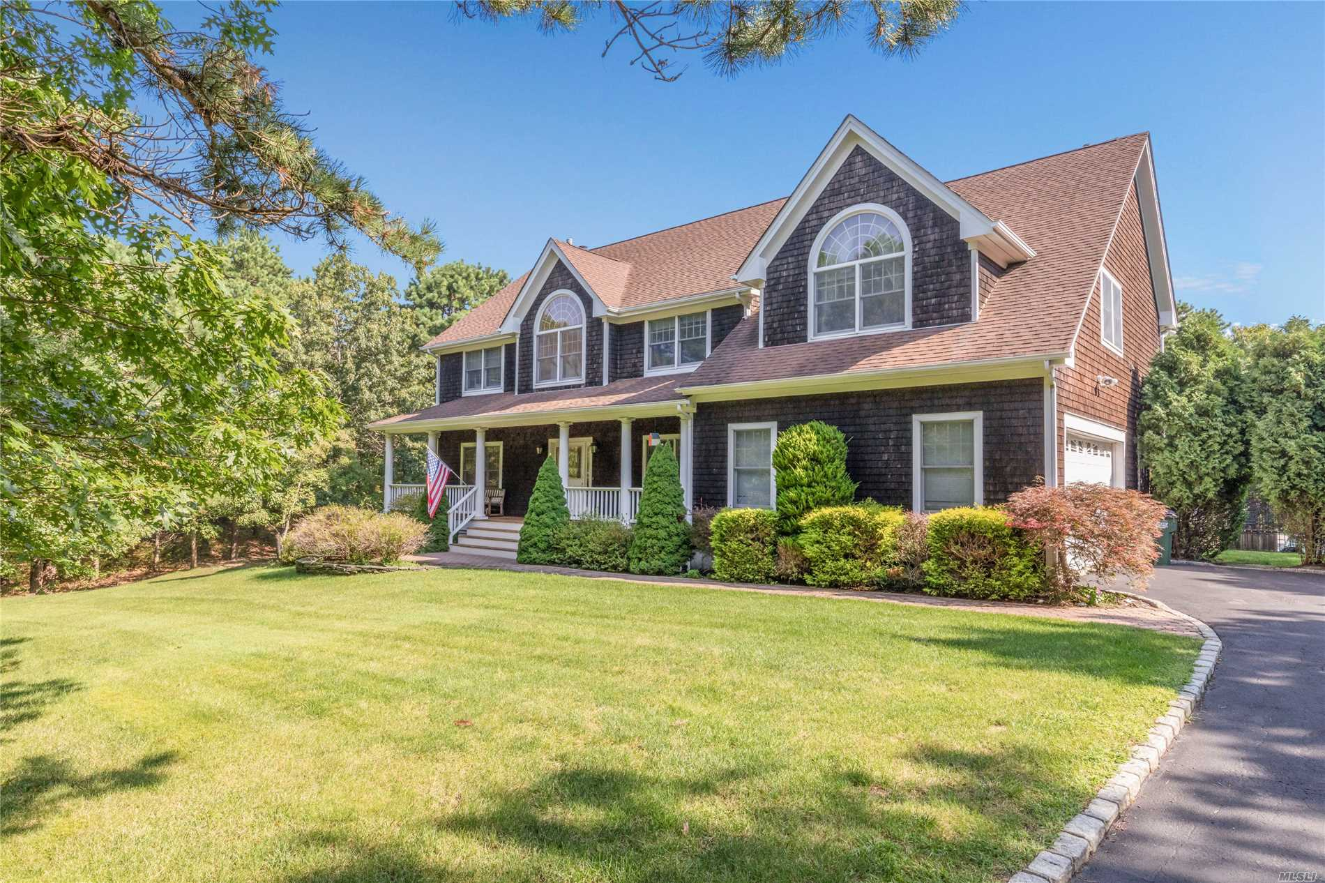 Photo of home for sale at 75 Corbett Dr, East Quogue NY