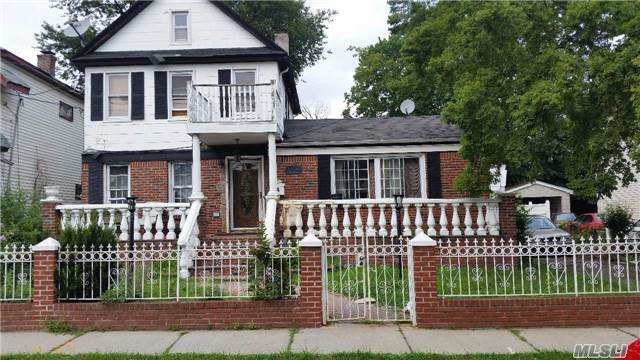 Photo of home for sale at 218-03 135th Ave, Laurelton NY