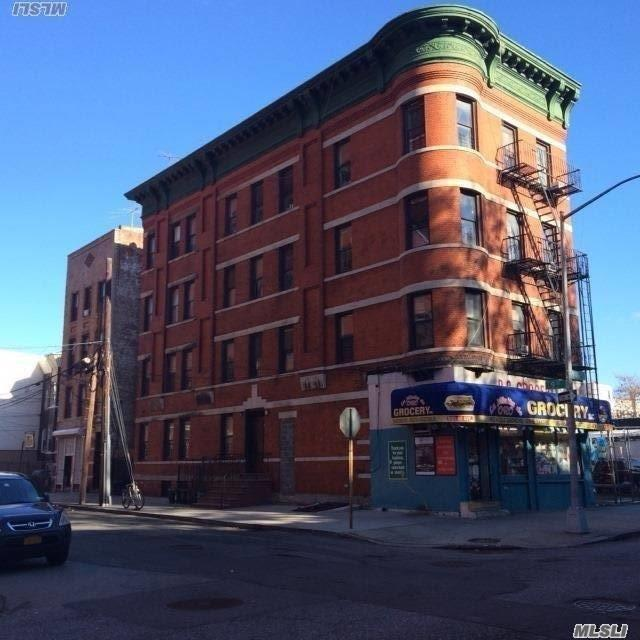 Photo of home for sale at 901 40 Ave, Long Island City NY