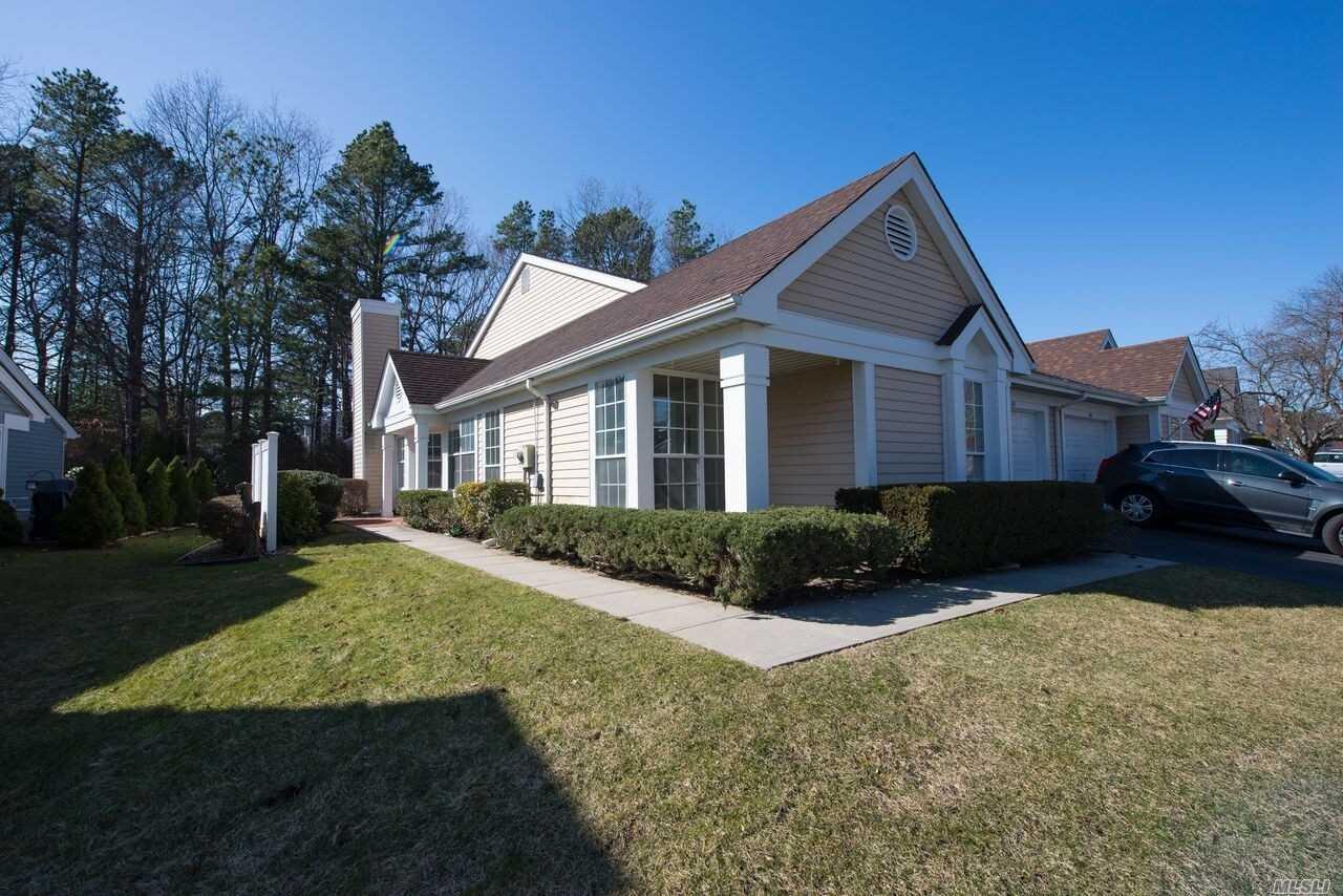 Property for sale at 181 Glen Dr, Ridge,  NY 11961