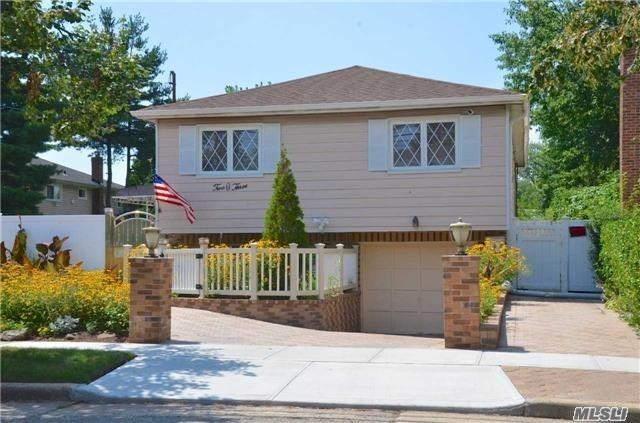 Photo of home for sale at 203 Fairview Blvd, Hempstead NY