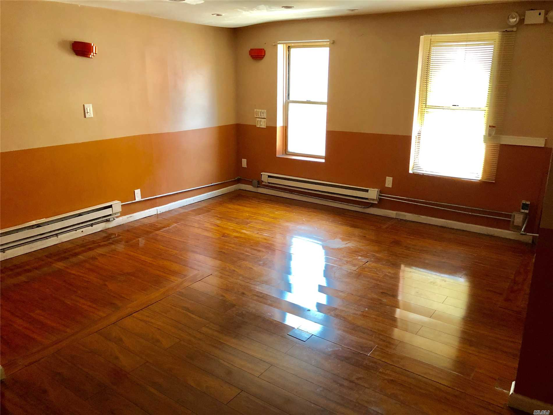 Photo of home for sale at 135-18 Roosevelt Ave, Flushing NY
