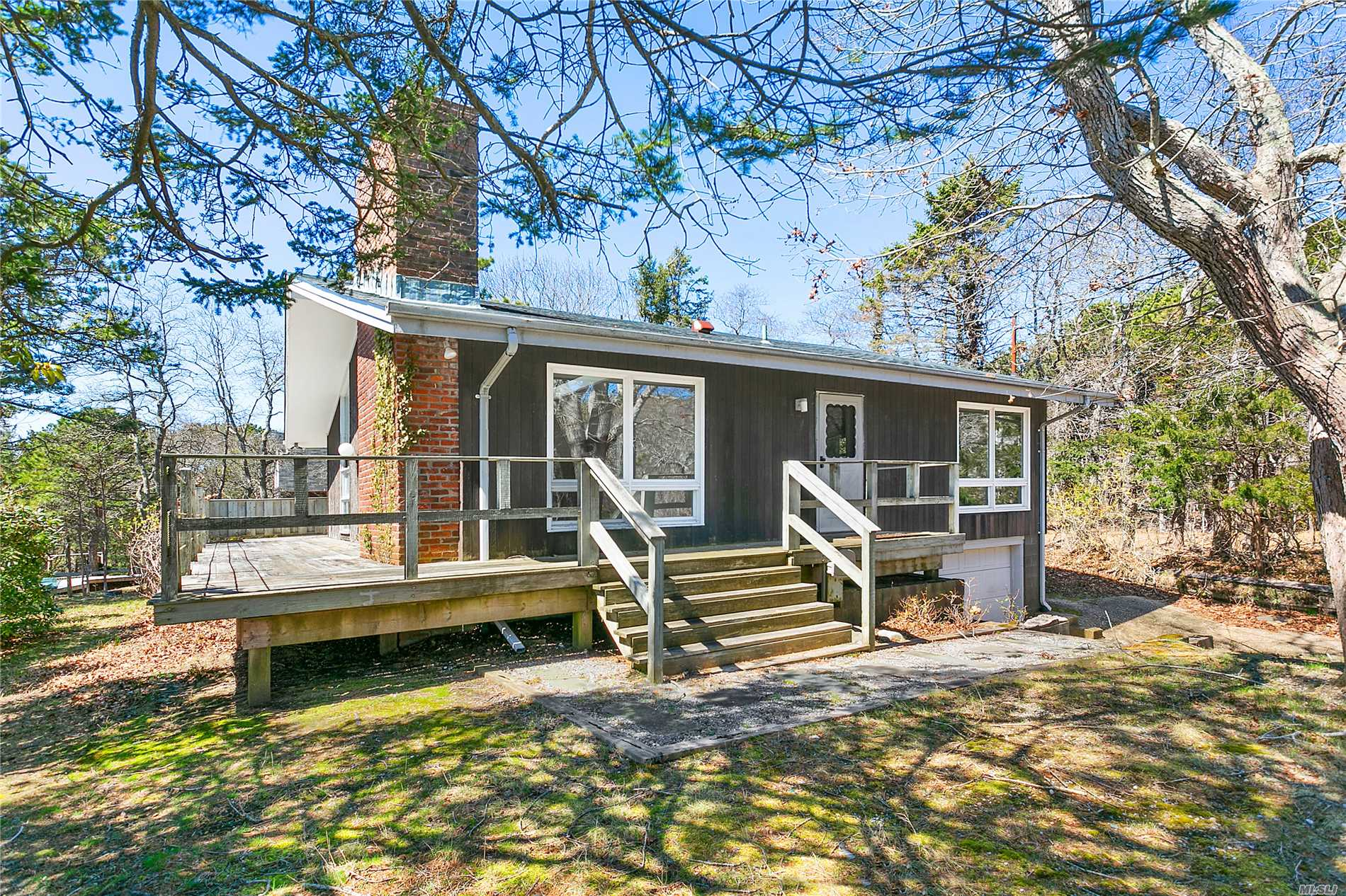 Photo of home for sale at 753 Montauk Hwy, Amagansett NY