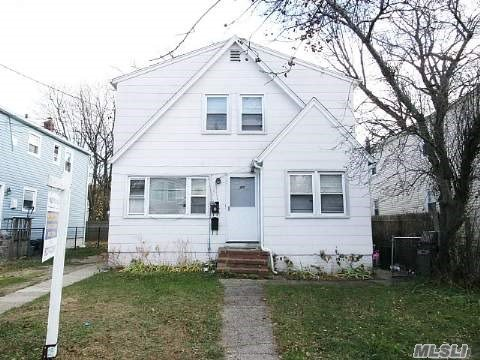 Photo of home for sale at 40 Mason St, Hempstead NY