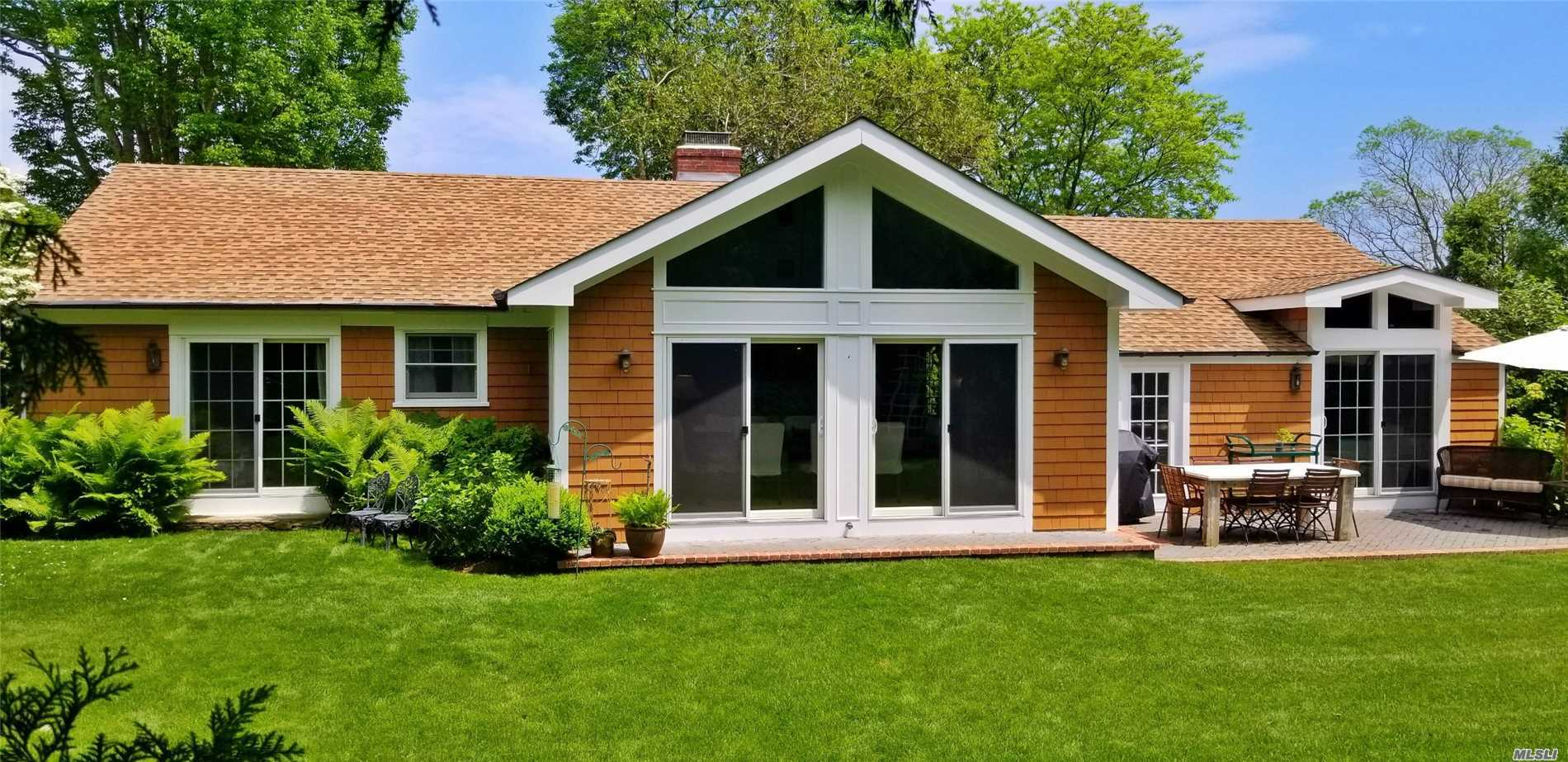 Photo of home for sale at 9 Boxwood St, East Hampton NY