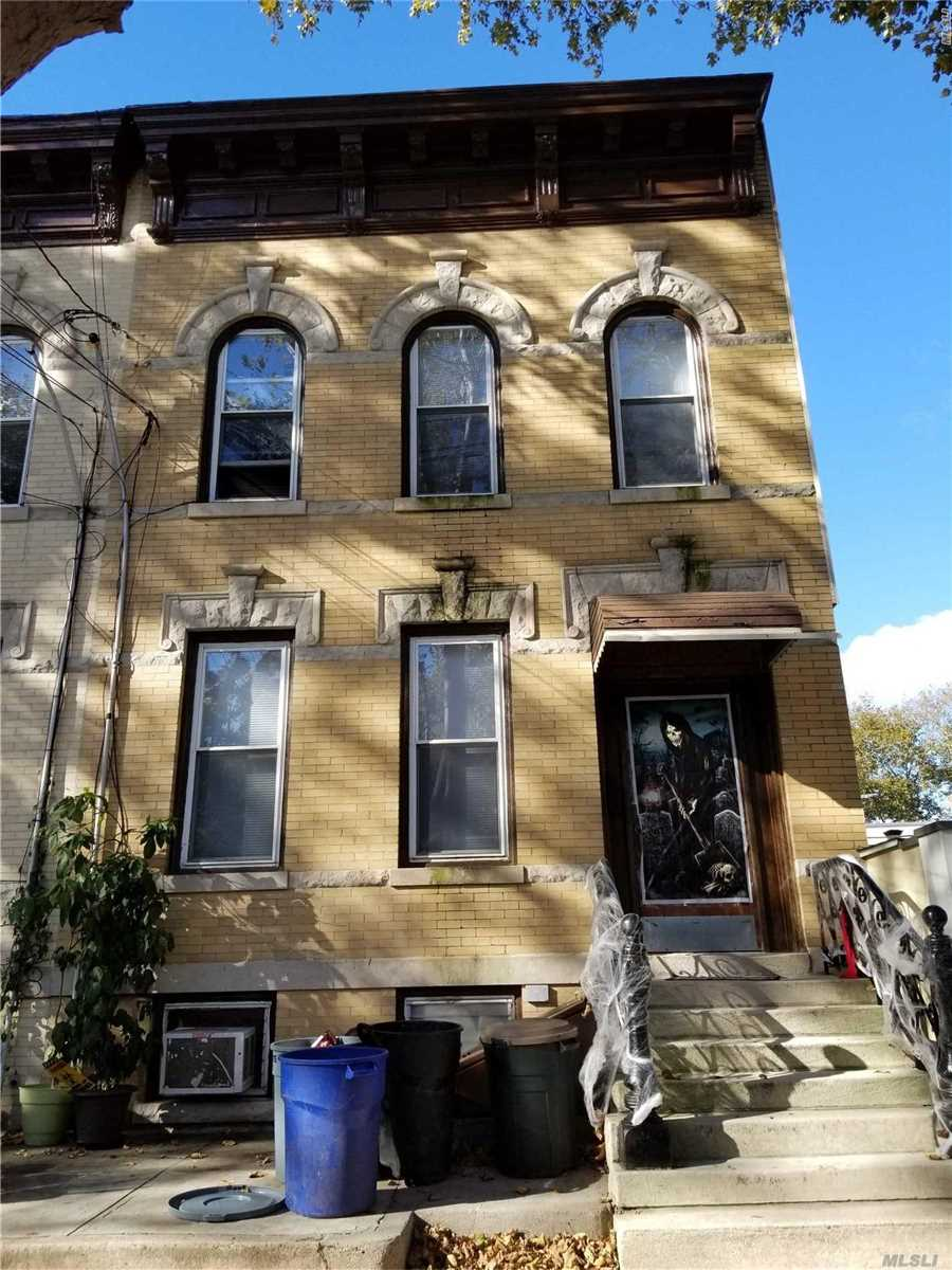 Photo of home for sale at 77-22 79th Pl, Glendale NY