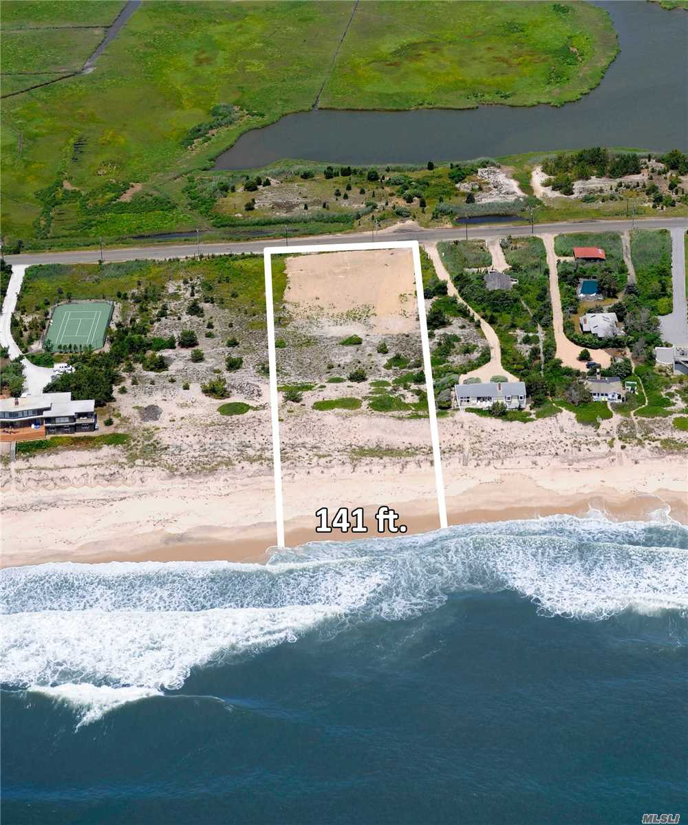Photo of home for sale at 226 Dune, Quogue NY