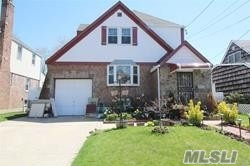 Photo of home for sale at 81 Horton Rd, Valley Stream NY