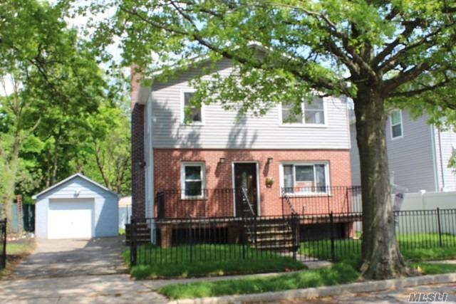 Photo of home for sale at 244 Goldenrod Ave, Franklin Square NY