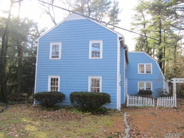 Photo of home for sale at 89 Mill River Rd, Upper Brookville NY