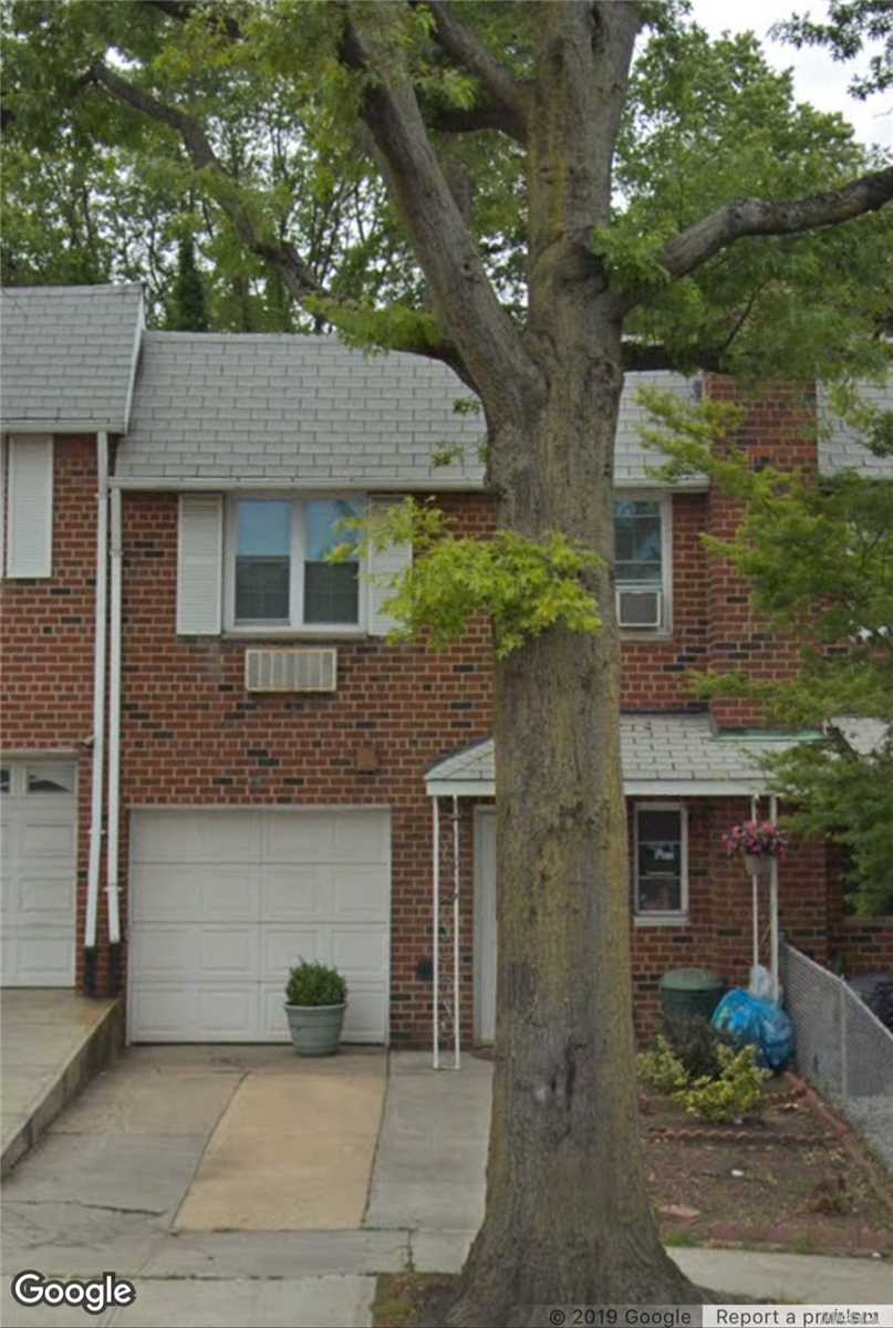 Photo of home for sale at 67-51 Eliot Ave, Middle Village NY