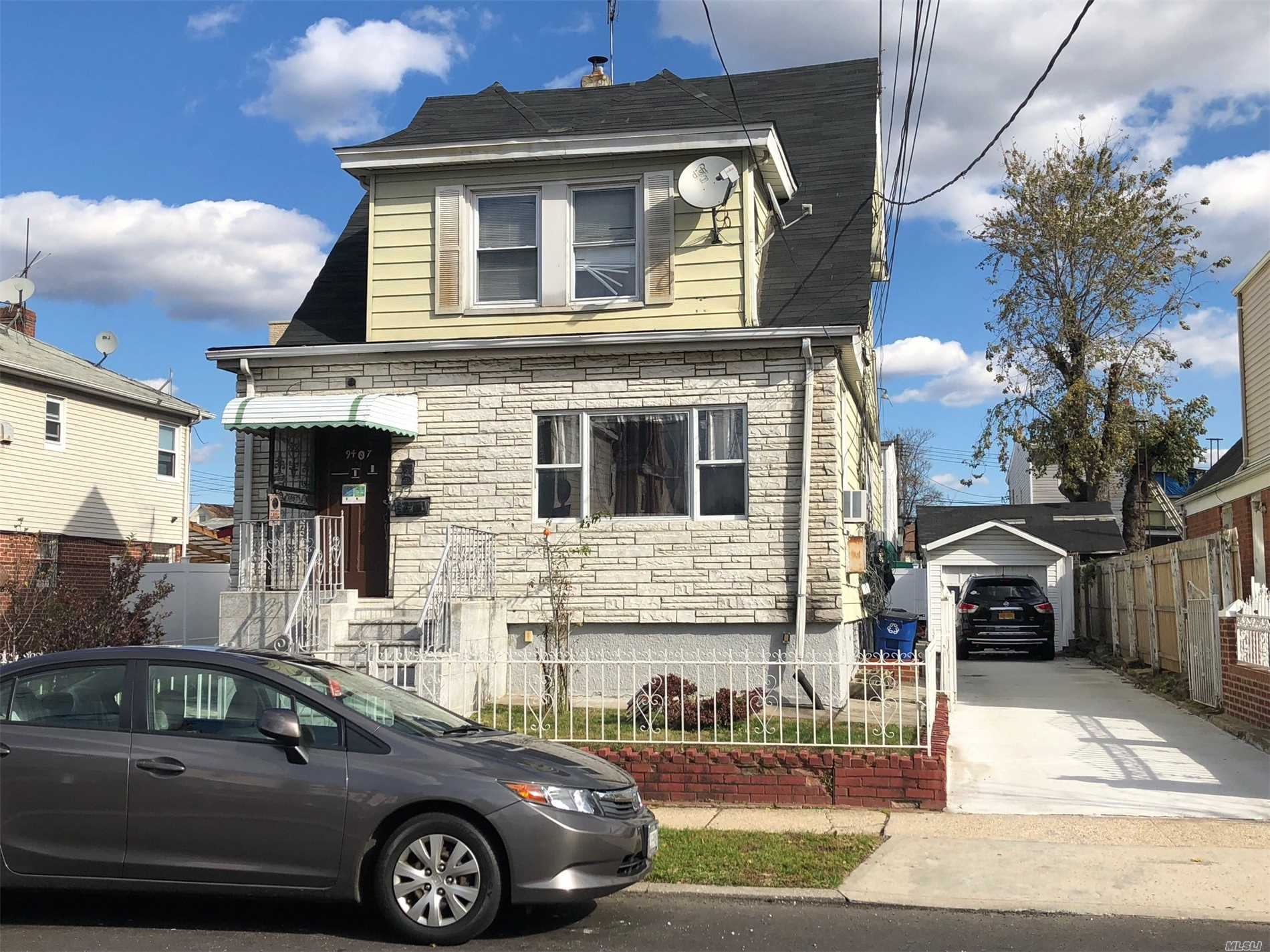 Photo of home for sale at 94-07 212Th Place, Queens Village NY