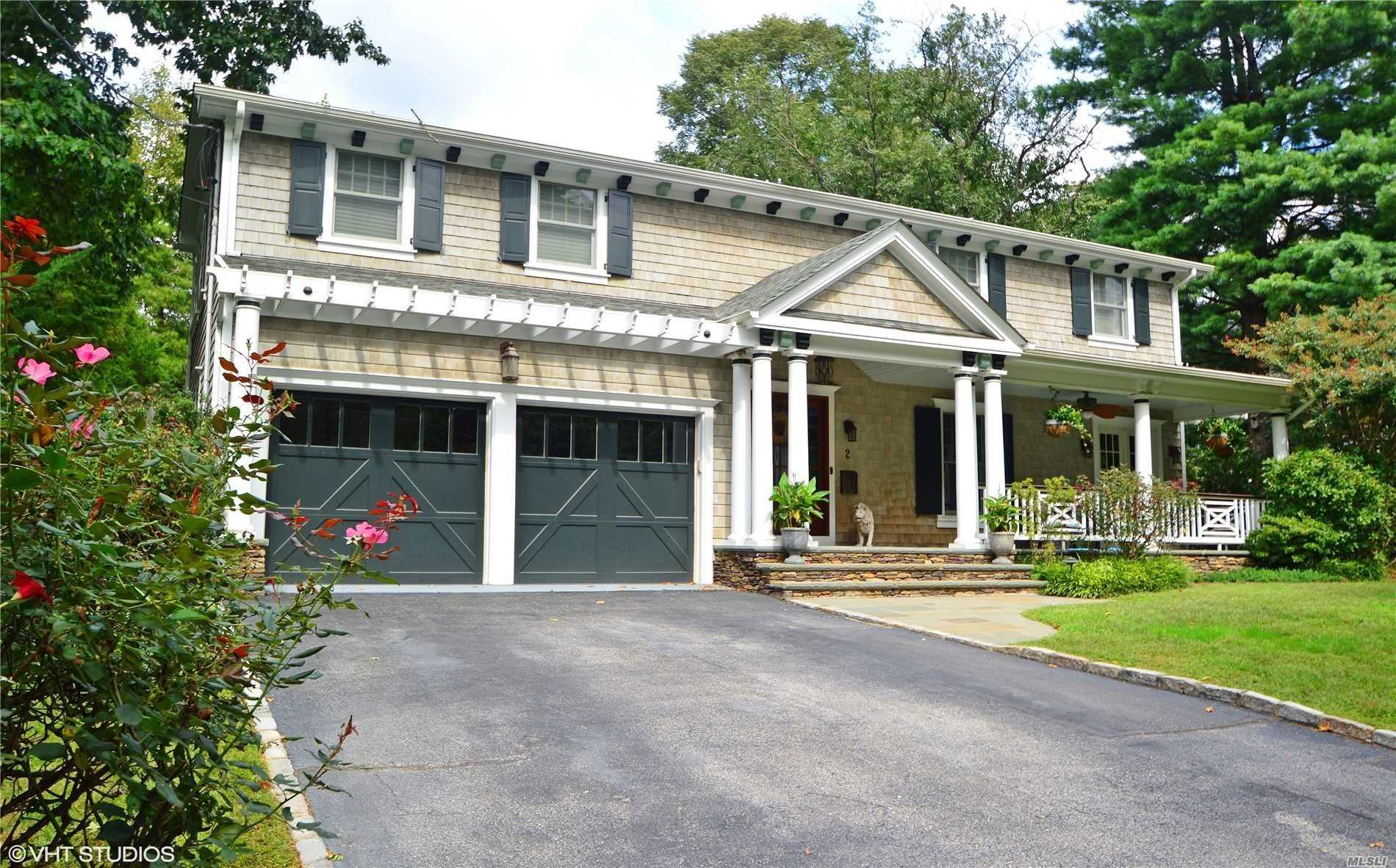 Photo of home for sale at 2 Highland Ave, Sea Cliff NY