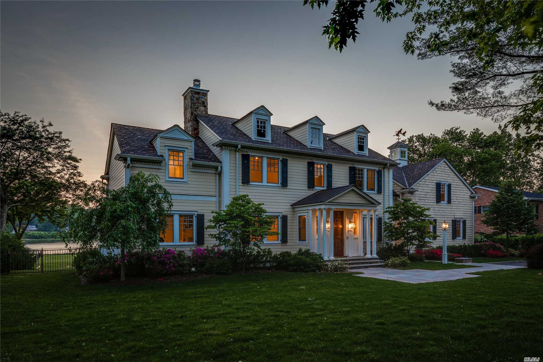 Photo of home for sale at 69 Shore Rd, Manhasset NY