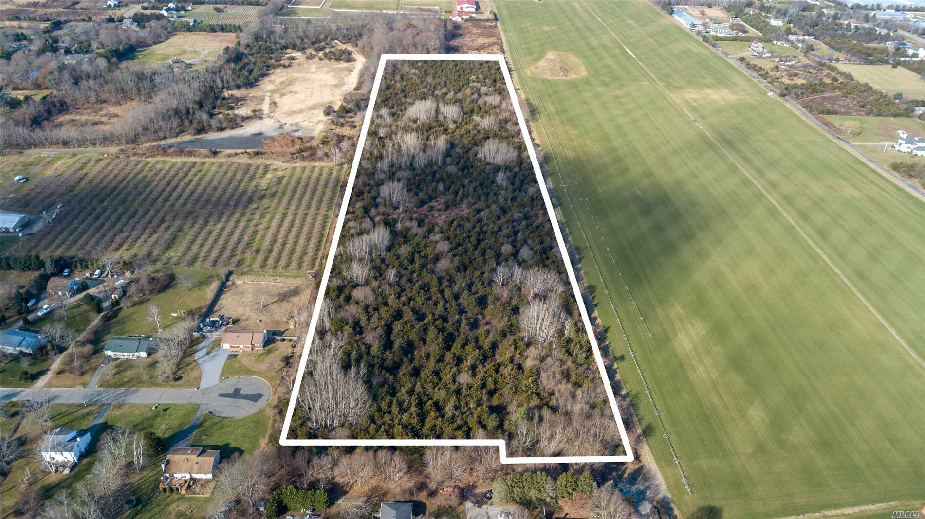 Photo of home for sale at Ziemacki Ln, Jamesport NY