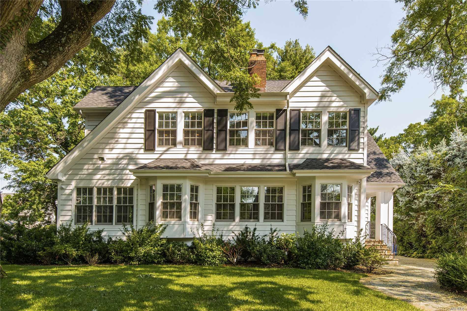 Photo of home for sale at 261 Ridge Rd, Douglaston NY