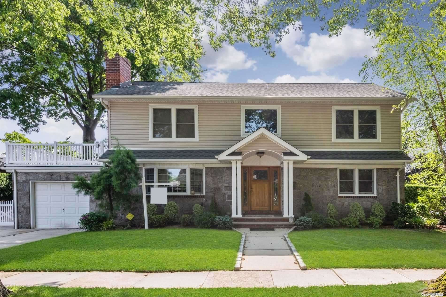 Property for sale at 87 Orchid St, Floral Park,  New York 11001