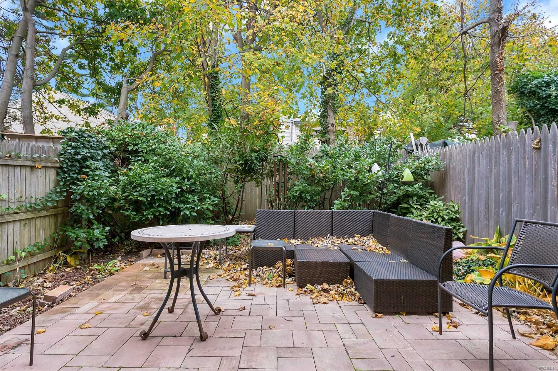Property for sale at 920 Broadway, Woodmere,  NY 11598