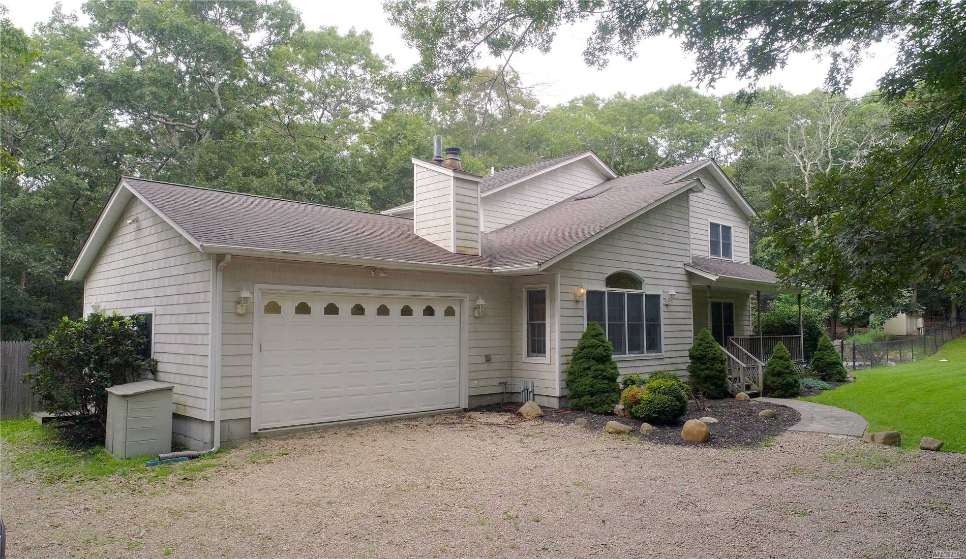 Photo of home for sale at 23 Harbor Blvd, East Hampton NY