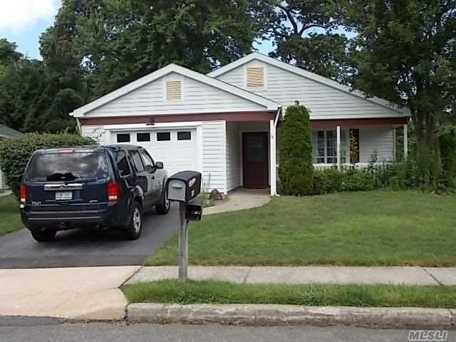 Property for sale at 14 Kingston Dr, Ridge,  NY 11961