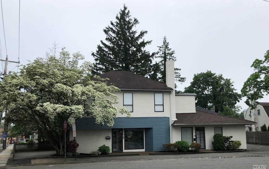 Property for sale at 239 Roslyn Rd, Roslyn Heights,  New York 11577