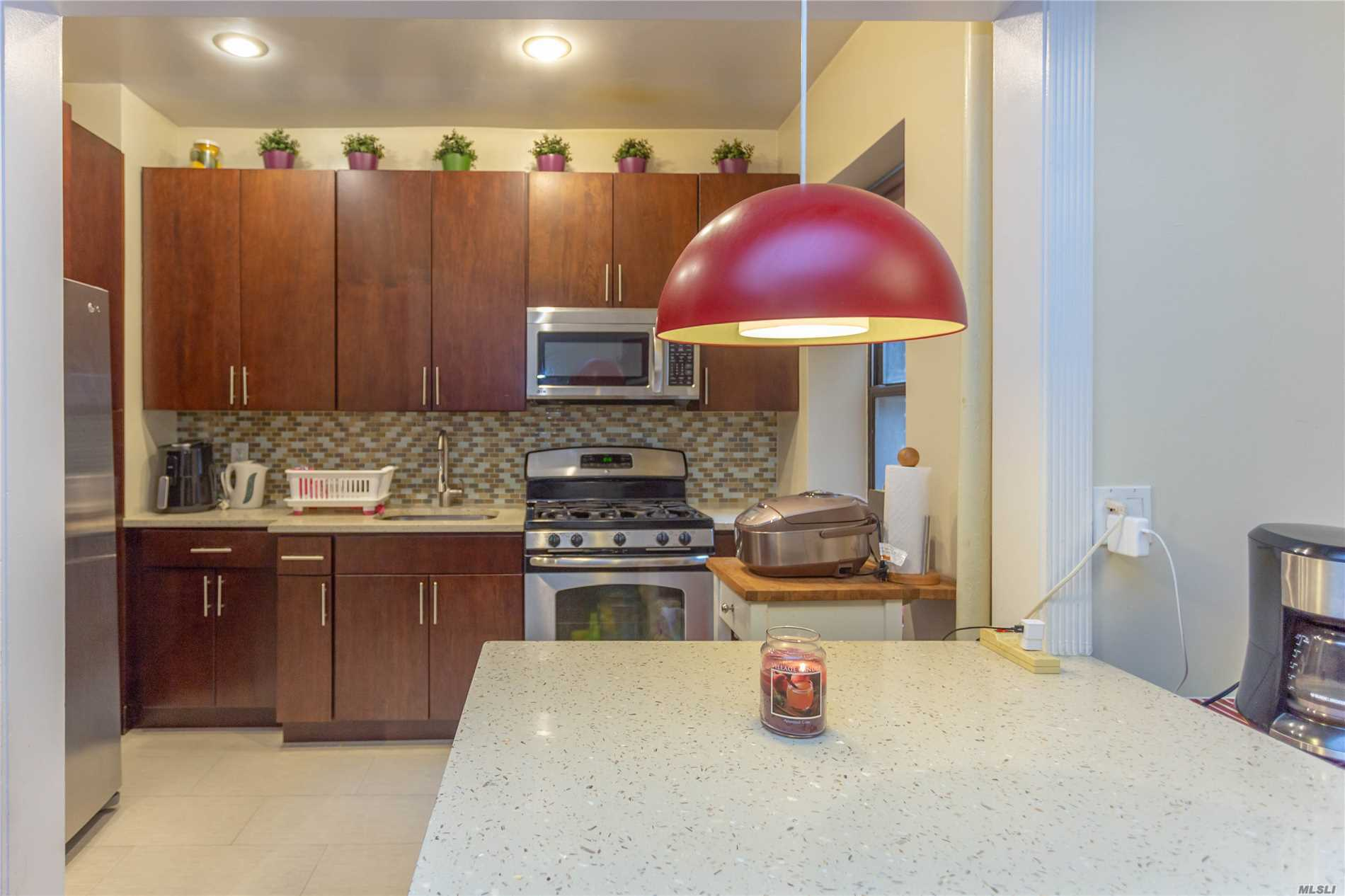 Photo of home for sale at 117-14 Union Tpke, Kew Gardens NY