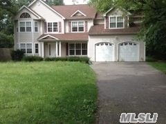 Photo of home for sale at 5 Henry St, Huntington NY