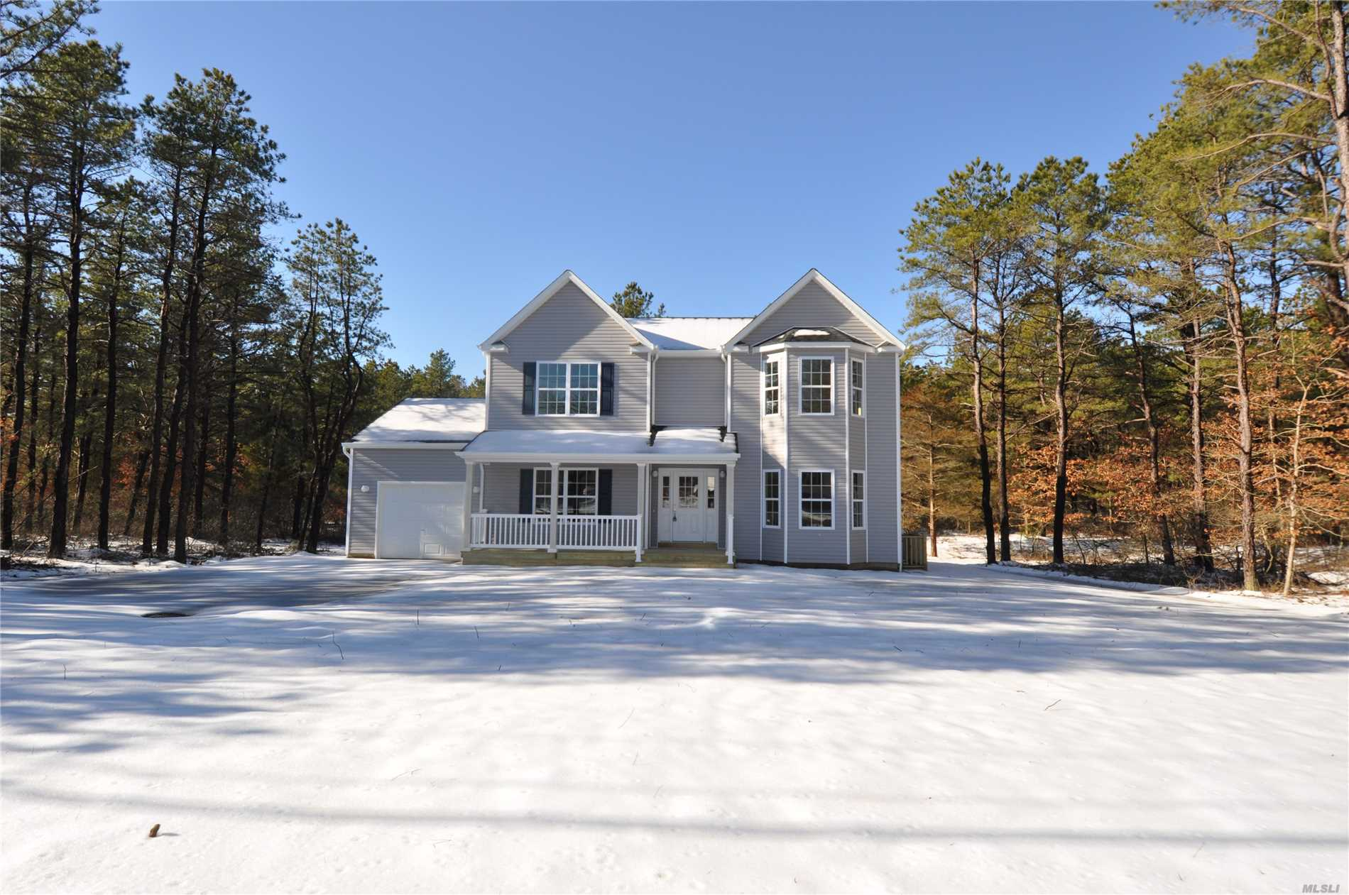 Photo of home for sale at 32 Country Rd, Medford NY