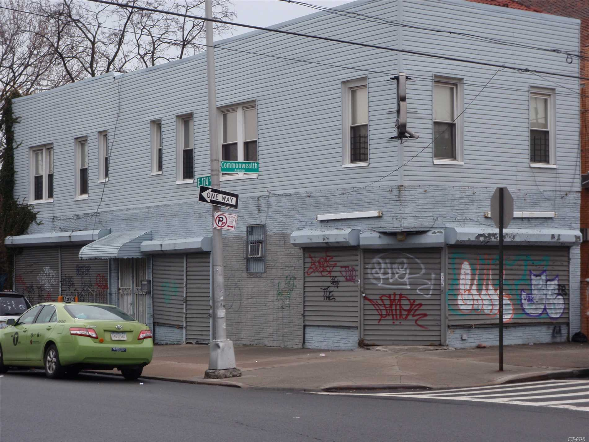 Photo of home for sale at 1764 174th St E, Bronx NY