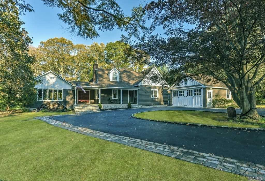 Photo of home for sale at 24 Chicory Ln, Huntington NY