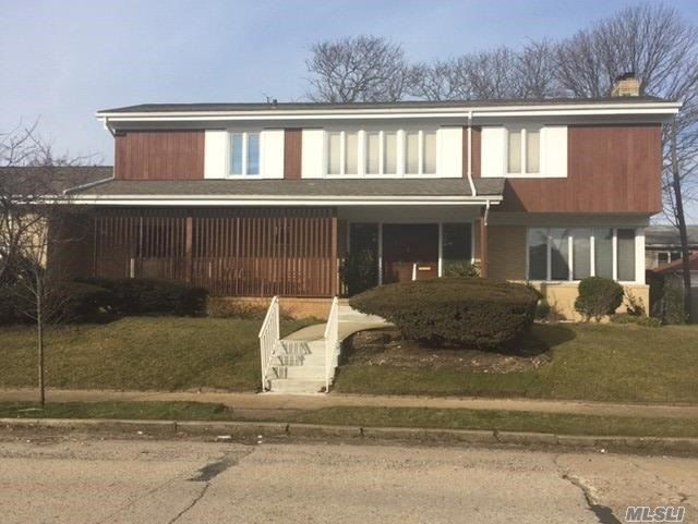 Photo of home for sale at 255 Beech St W, Long Beach NY