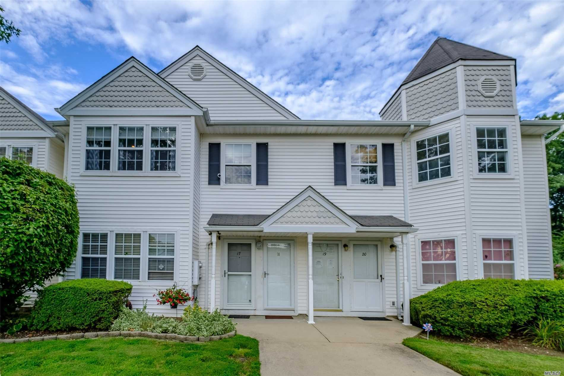 Property for sale at 18 Country View Ln, Middle Island,  NY 11953