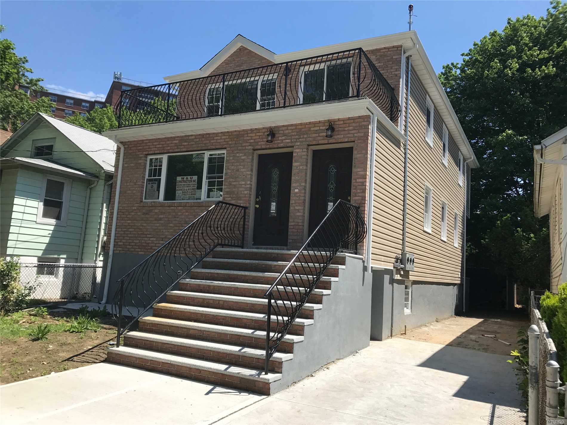 Photo of home for sale at 134-45 173rd St, Rochdale NY