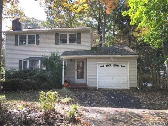 Photo of home for sale at 10 Dogwood Ln, Miller Place NY