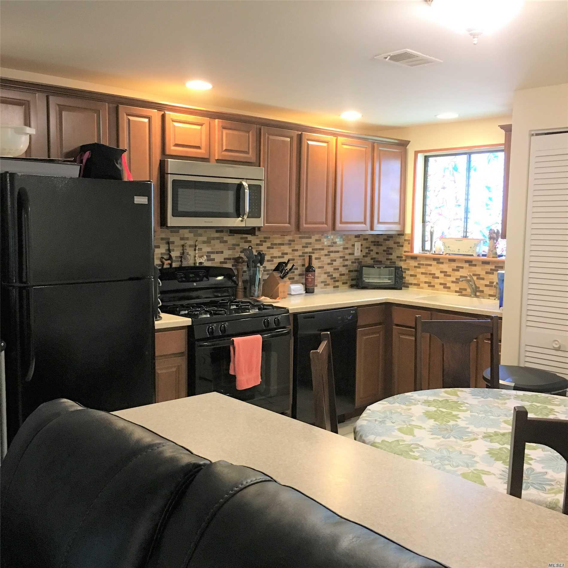 Property for sale at 7 Birchwood Dr, Pt.Jefferson Sta,  NY 11776