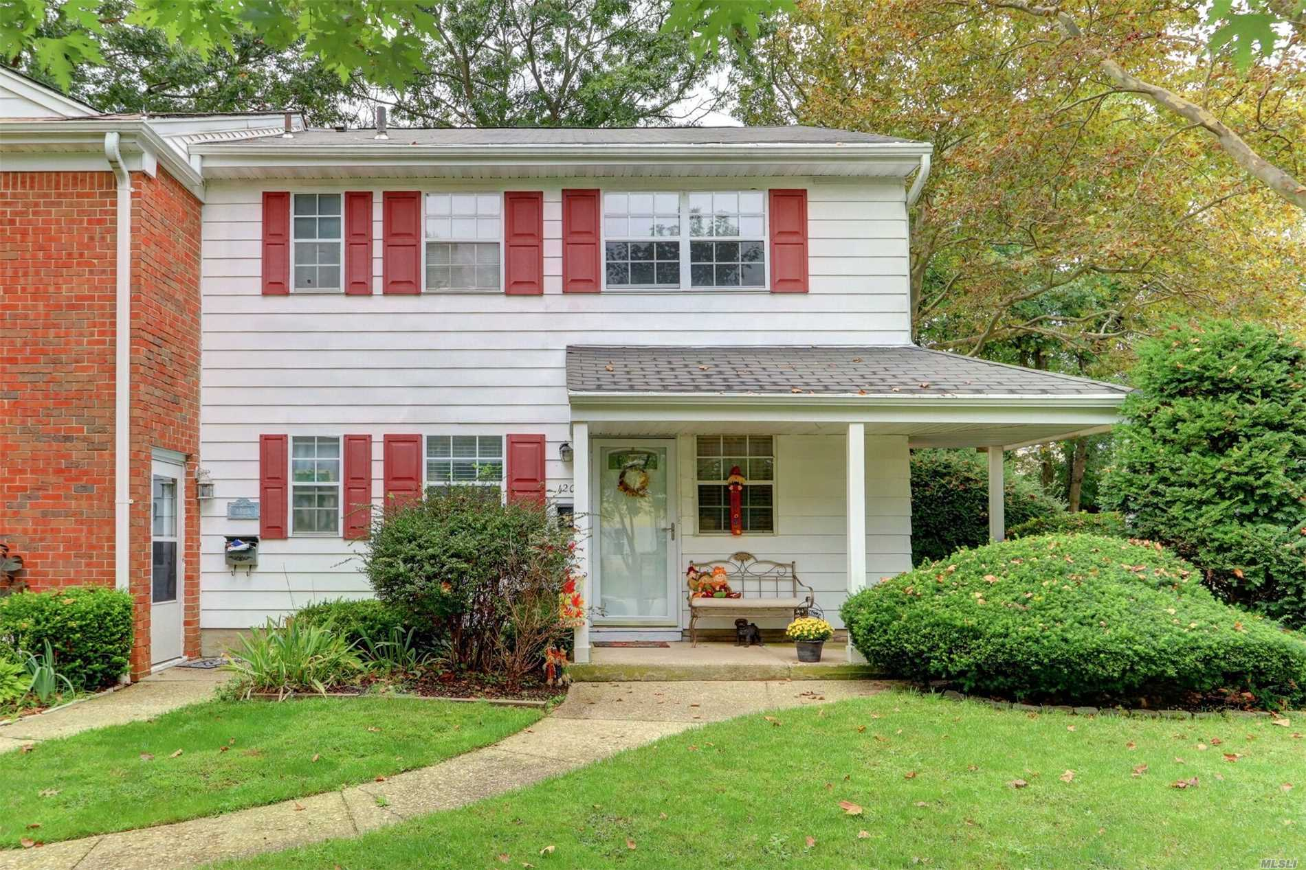 Property for sale at 1201 Towne House Vlg, Hauppauge,  NY 11749